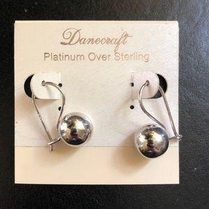 Jewelry - Platinum silver earrings